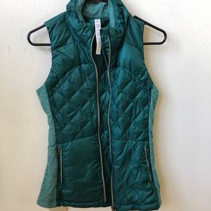 Lululemon down for a run vest in forage teal NWT